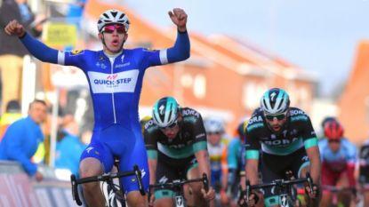 Opnieuw feest bij Quick.Step: Hodeg sprint alweer met vingers in de neus naar zege in opener Ronde van Catalonië