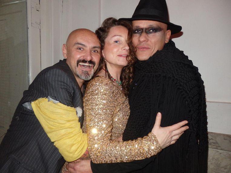 Want Amsterdam kan wel een kick in the ass gebruiken, vinden ober José Sanchez, Jasha van der Wel (The Experience Enhancer) en Carlos Escalas, host van de Supperclub Beeld Schuim