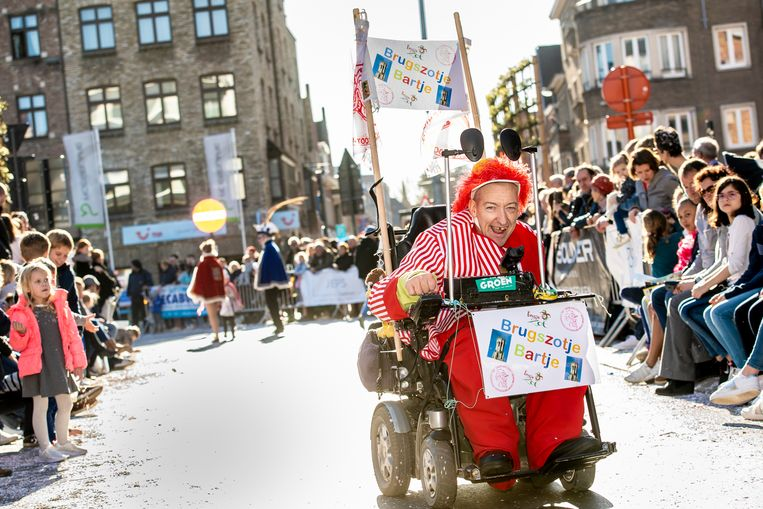Naar jaarlijkse traditie van de partij: Bart, het Brugs zotje.
