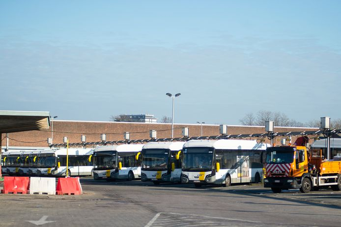 De Lijn verhuist binnen enkele jaren de busstelplaats van Zurenborg naar Deurne.