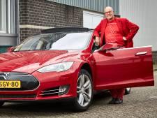 Trendwatcher Everts vecht boetes aan voor vasthouden telefoon in 'zelfrijdende' auto