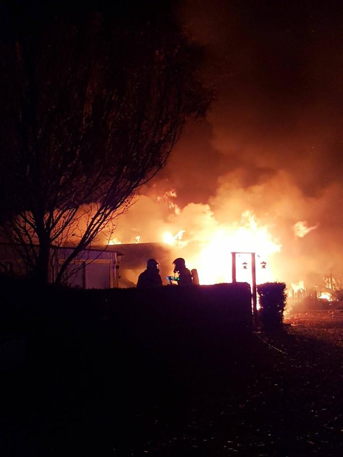 Twee stacaravans gingen in vlammen op.