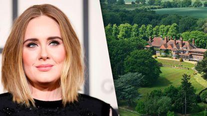 BINNENKIJKEN. Adele verkoopt huis met miljoenenverlies om scheiding met ex te betalen