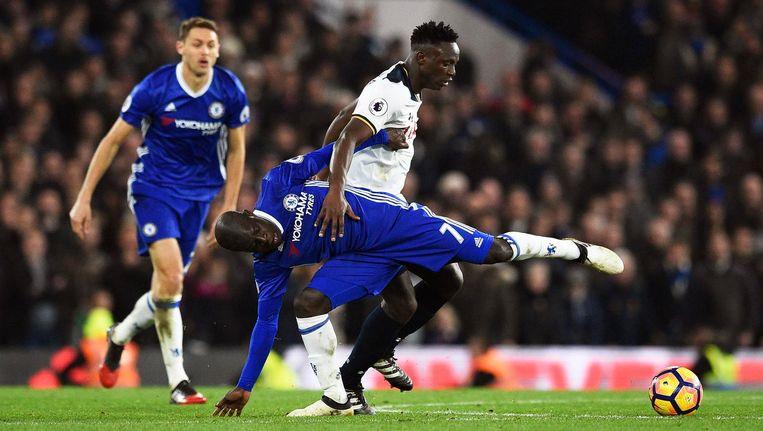 Chelsea's N'Golo Kante in actie tegen Tottenhams Victor Wanyama Beeld epa