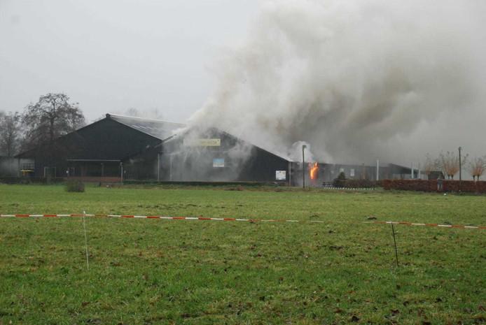 Veel rook bij brand bij Boerderij 't Dommeltje in Boxtel.