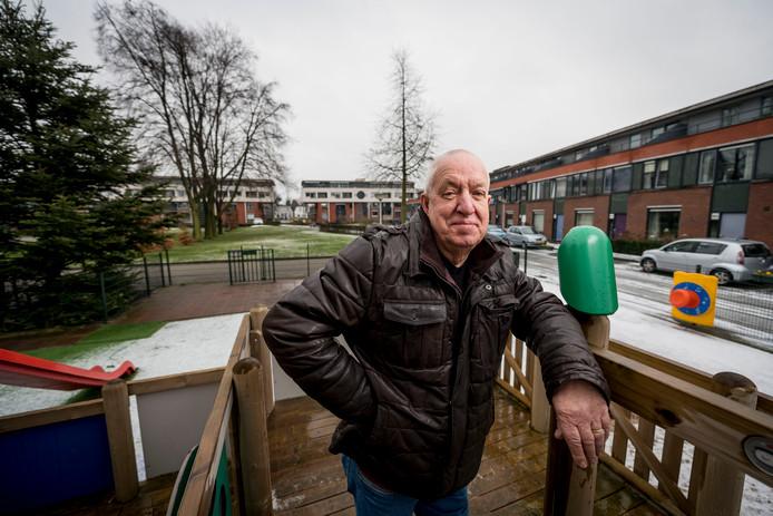 """Vrijwilliger Willem Rosier van de Zuiderspeeltuin: """"Laat de politie eens handhaven op de Kuipersdijk."""""""