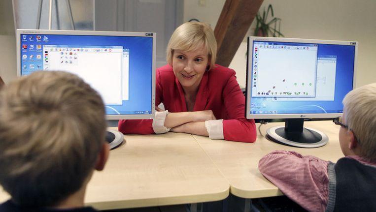 Proefproject op een school in de hoofdstad Tallinn: computerprogrammeren voor 7-jarigen. Beeld reuters