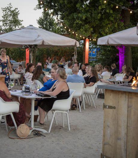 Twentse cafés over 'keiharde' maatregelen: 'Problemen op ons afgewenteld'