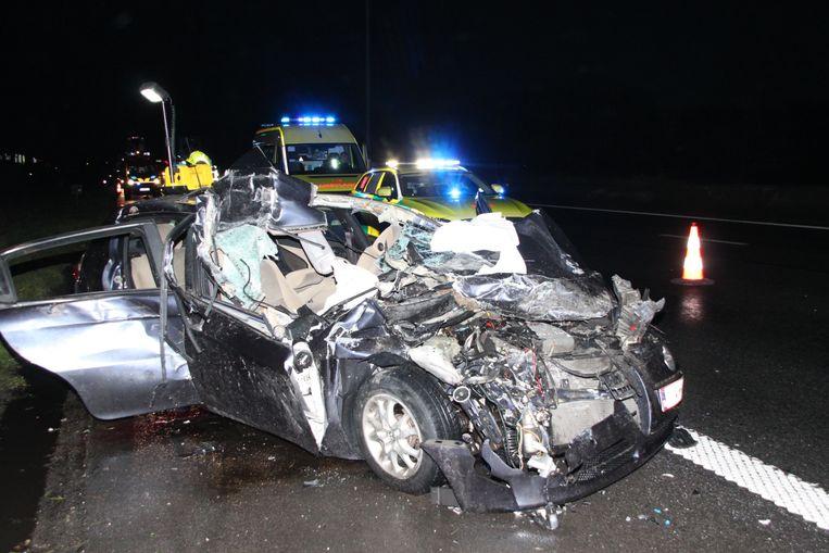 De Alfa Romeo raakte zwaar beschadigd.