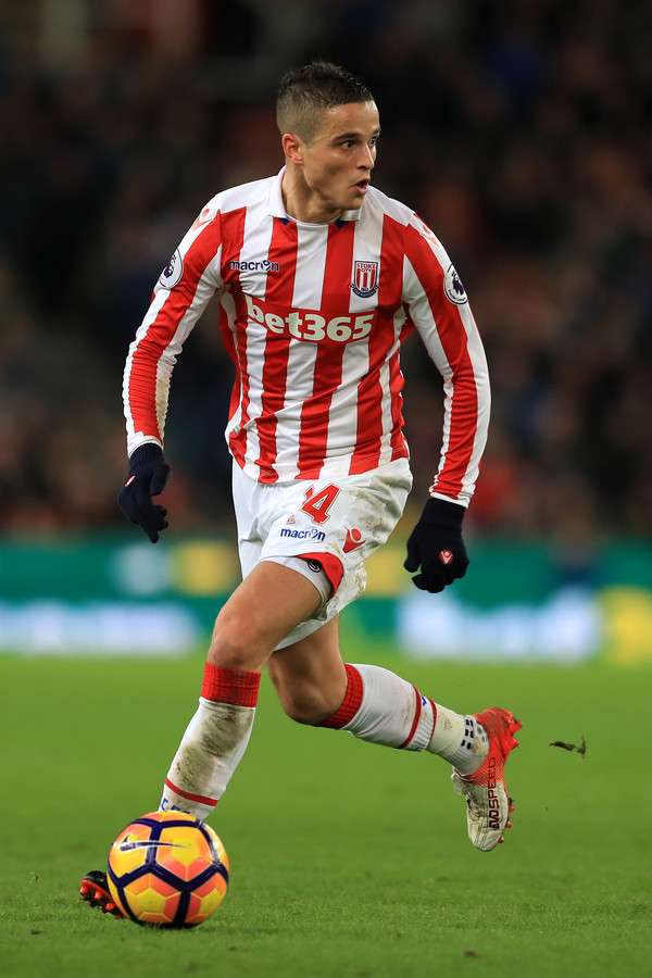 Bij Stoke City kwam Afellay tot 49 optredens in de Premier League.
