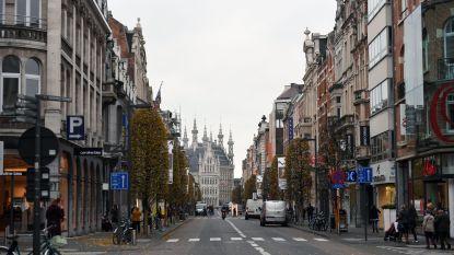 """Nieuwe bushaltes en asfaltlaag voor de Bondgenotenlaan: """"Maar aangenaam winkelen blijft mogelijk tijdens werkzaamheden"""", zegt schepen Geleyns"""