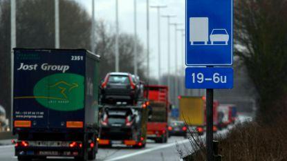 Acht vrachtwagens overladen bij controle
