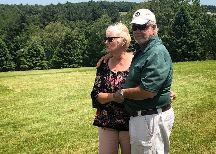 Nick et Bobbi sont retournés sur la plaine du festival à l'occasion du cinquantième anniversaire de cet événement mythique.