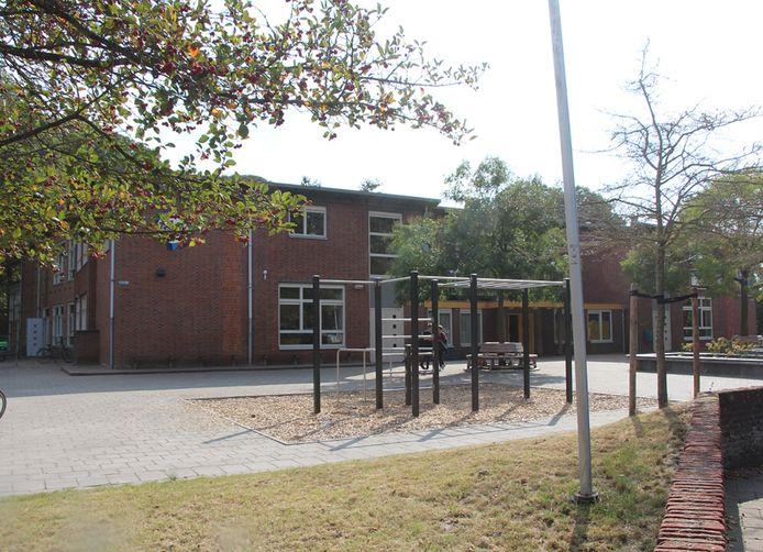 Dit jaar is het schoolplein bij Het Assink lyceum aan de Julianastraat nog gerenoveerd.