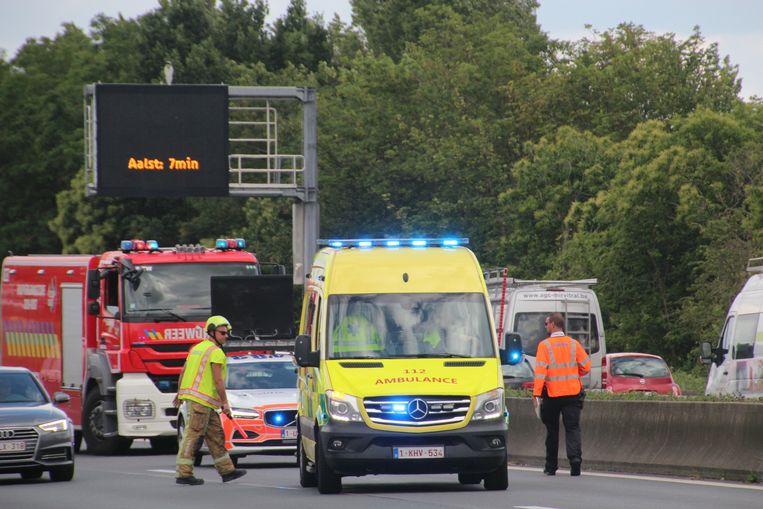 Het ongeval gebeurde op de E40 ter hoogte van Oordegem tussen Erpe-Mere en Wetteren.