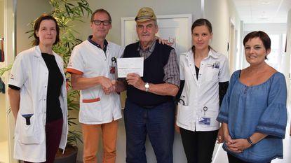 Jerry schenkt 300 euro aan dagkliniek oncologie
