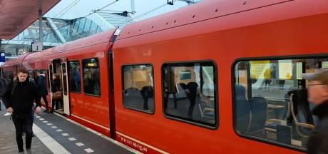 Minder treinen en bussen in de Liemers en Achterhoek
