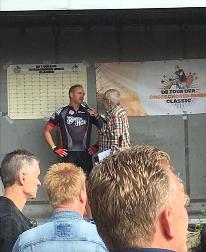 Theo Joosten van Rowwen Hèze fietst ook mee.