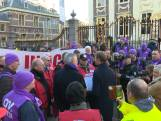 Protest op Binnenhof tegen verhogen AOW-leeftijd