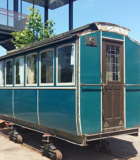 Unieke tramwagon uit Kaatsheuvel staat na jaren bidden en smeken eindelijk in museum