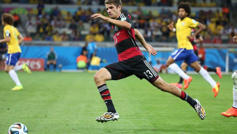 Thomas Müller in actie tegen Brazilië. Beeld getty