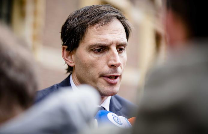 Minister Wopke Hoekstra van Financiën (CDA) bij aankomst op het Binnenhof voor de wekelijkse ministerraad.