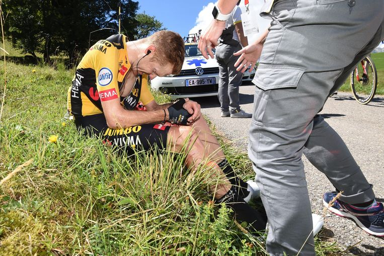 Steven Kruijswijk ging ook onderuit in de in de vierde etappe van het Critérium du Dauphiné. Beeld Cor Vos