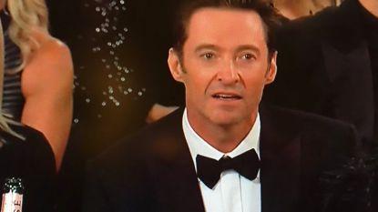 """Hugh Jackman kan zijn teleurstelling niet verbergen, en Twitter geeft hem gelijk: """"Die award had naar hem moeten gaan"""""""