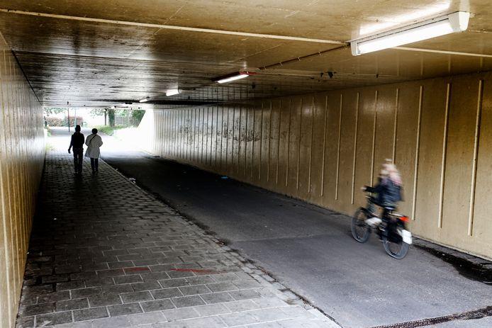 Begin deze maand heeft de gemeente de verlichting rondom fietstunnels verbeterd.