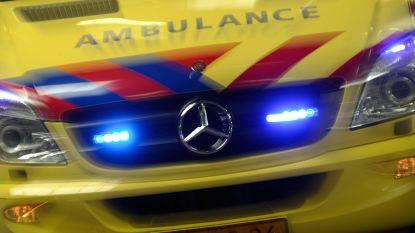 Man (40) zwaargewond na knal tegen verkeerseiland