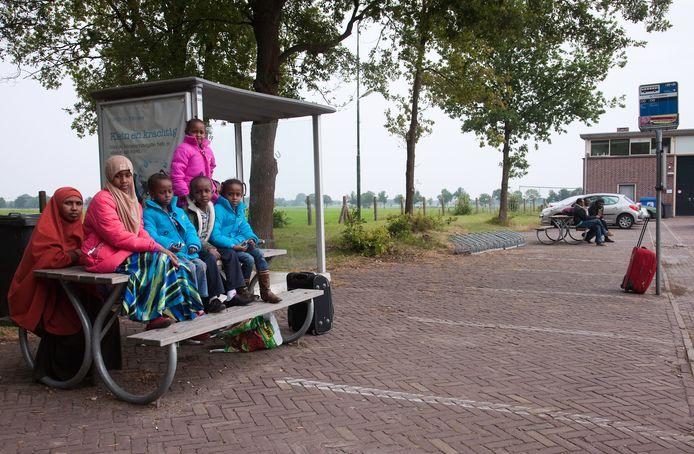 AZC Prinsenbos in Gilze, waar ongeveer vijfhonderd afgewezen asielzoekers verblijven.