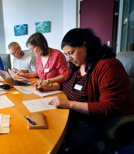 Versimpelteam blijft nog twee jaar vage ambtelijke taal omschrijven naar begrijpelijk Nederlands