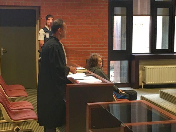Nadine W. zat voor de tweede dag op rij op het beklaagdenbankje in de Brugse rechtbank.