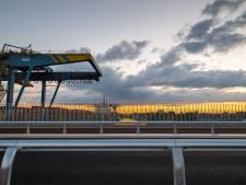 Nieuwe brug in Hengelo lijkt te glad