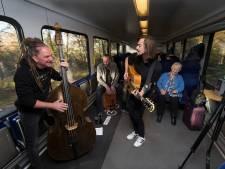 Ook in de trein live muziek op Dag van de Achterhoekse Popmuziek