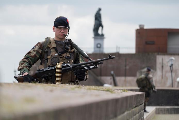 Marinier tijdens een oefening in Vlissingen.