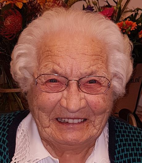 Drika van Gisbergen (104) overleden: de laatste 100-plusser uit het gezin uit Hooge Mierde