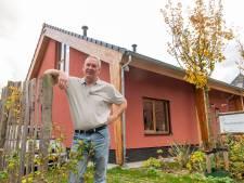 Ruud (55) bouwt eerste strowoning op de Veluwe: 'Mijn huis kan een aardbeving doorstaan'