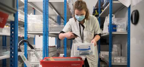 Prikken maar: de eerste coronavaccins liggen klaar in het ziekenhuis in Tiel
