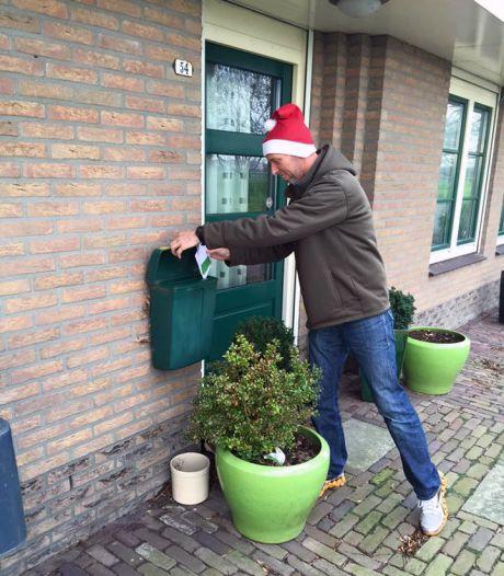 Zo'n 250 vrijwilligers willen jouw kerstpost bezorgen bij je familie en vrienden: 'Júist nu is het belangrijk'
