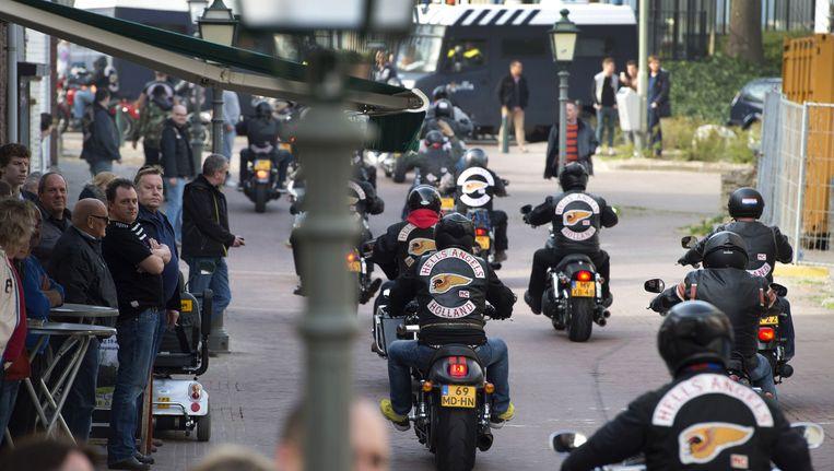 eden van de motorclub Hells Angels rijden in het centrum van Sittard Beeld ANP
