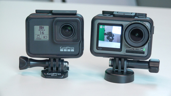De twee producten naast elkaar. Links de GoPro, rechts de DJI