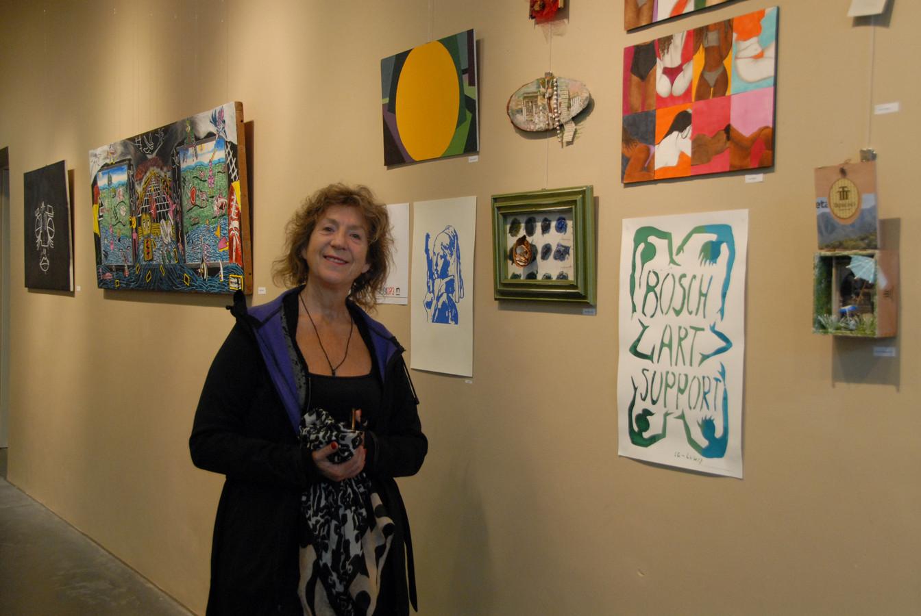 Coach Lidwien van Noorden heeft hier en daar haar eigen werk toegevoegd aan de expositie