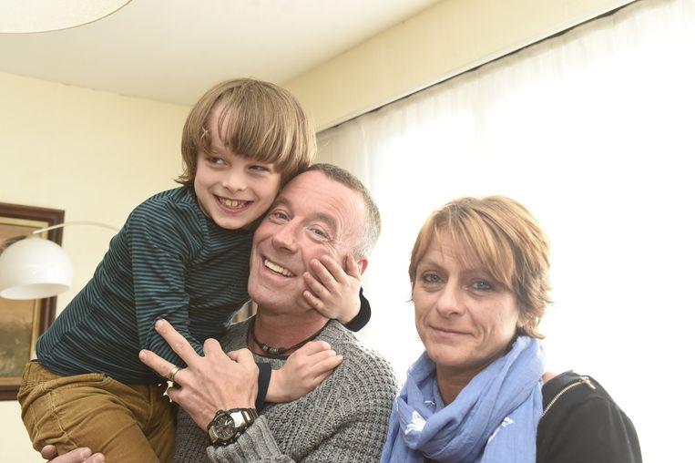 Jamie met zijn papa Frank en mama Sonja.