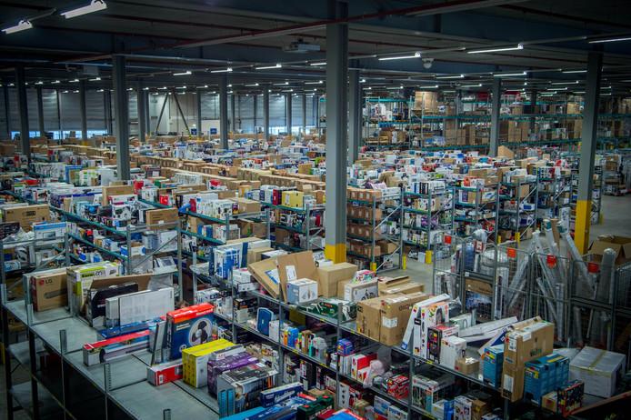 BuyBay vangt alle retourzendingen van bedrijven op en verkoopt ze weer