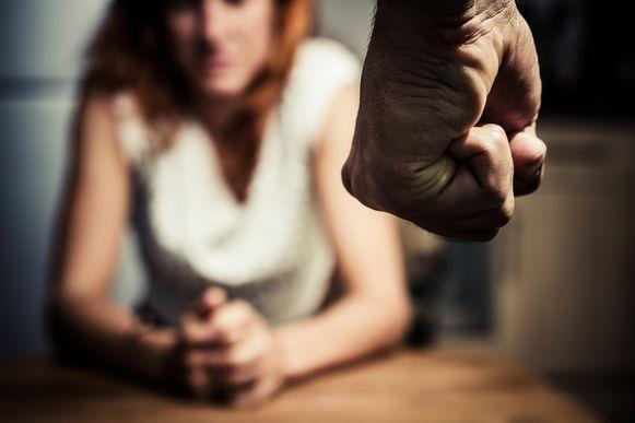 In ons land wordt één op de drie vrouwen slachtoffer van partnergeweld.