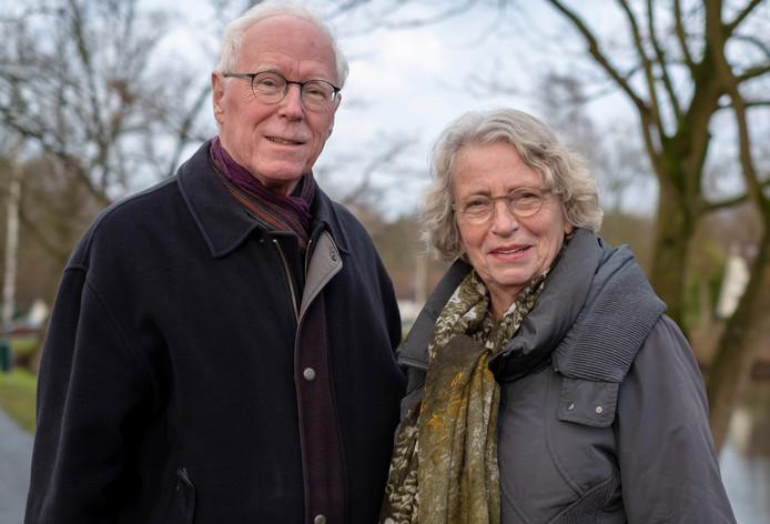 Rietje de Neeve (rechts) en Albert Goudoever zijn trouwe bezoekers van het Internationaal Kamermuziek Festival in Utrecht. ,,Wij gaan voor ontzettend veel concerten in een paar dagen.''