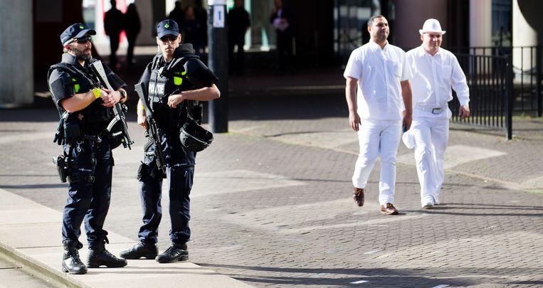 Tijdens het dancefeest Sensation stonden vorig jaar zwaarbewapende agenten bij de Amsterdam Arena. Beeld ANP