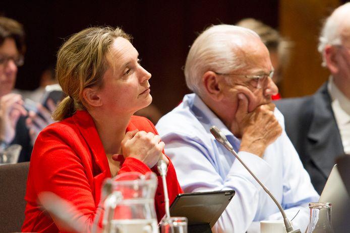 De Bredase SP-fractievoorzitter Inge Verdaasdonk, met rechts haar 50Plus-collega Peter van Lier.