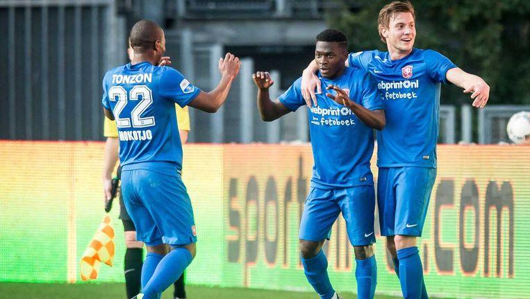 Thomas Agyepong (M) juicht na de 0-1 tegen FC Utrecht Beeld anp